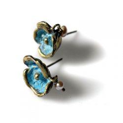 Χειροποίητο σκουλαρίκι Ανεμώνη από ορείχαλκο με επεξεργασία οξείδωσης
